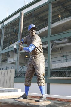 Here's the Ernie Banks statue outside of Wrigley Field. Let's play two!