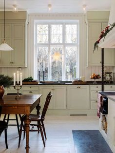 Farm Kitchen Ideas, Rustic Kitchen, Country Kitchen, Vintage Kitchen, Farmhouse Interior, Kitchen Interior, Interior And Exterior, Farmhouse Style, Swedish Kitchen
