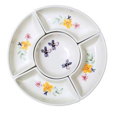 Savannah Blooms Chip and Dip Serving Set. An elegant table makes a casual brunch extra special. Chip, dip and serve at your springtime get-together. Chip And Dip Sets, Avon Mark, Avon True, Cooking Gadgets, Elegant Table, Side Plates, Summer Picnic, Skin So Soft, Serving Dishes
