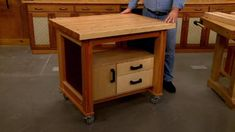 This combination tool tote and step stool is easy to build and a handy addition to any shop. Woodworking Apron, Woodworking Crafts, Woodworking Plans, Garage Tool Storage, Garage Tools, Portable Work Table, Woodsmith Plans, Tool Tote, Kitchen Cart
