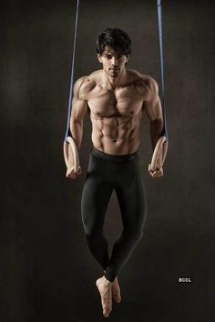 """I derive my inspiration from Salman Khan & Sylvester Stallone"" – Sooraj Pancholi : Bollywood News - Bollywood Hungama Indian Bollywood Actors, Bollywood Celebrities, Bollywood News, Bollywood Masala, Muscle Hunks, Muscle Men, Indian Bodybuilder, Style Masculin, Hottest Male Celebrities"