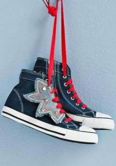 Tuunatut tennarit SK 7/13 High Top Vans, High Tops, High Top Sneakers, Katana, Vans Sk8, Converse, Shoes, Fashion, Moda