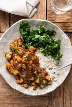 Easy Chickpea Potato Curry Chana Aloo Curry RecipeTin Eats, Slow Cooker Chickpea Curry with Sweet Potatoes and Red Peppers Recipe SimplyR. Curry Recipes, Veggie Recipes, Indian Food Recipes, Vegetarian Recipes, Cooking Recipes, Healthy Recipes, Rice Recipes, Vegan Chickpea Recipes, African Recipes