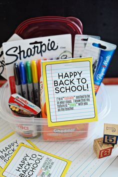 Back to School Teacher Gift Idea- free printable included to make your new teacher feel special!