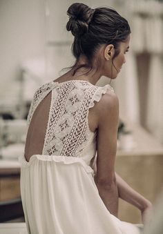 White lace dress right up your street Looks Street Style, Looks Style, Style Me, Look Boho Chic, Bohemian Style, Hippie Chic, Look Fashion, Fashion Beauty, Gypsy Fashion