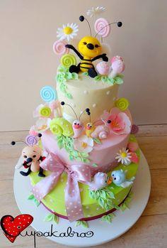 https://www.facebook.com/Ciupakabra.cakes/photos/a.151635968198932.26296.138658532830009/1063569753672211/?type=3