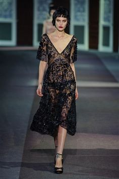 Louis Vuitton Fall 2013. Works as a dinner dress with a slip. Louis Vuitton Shop, Louis Vuitton Online, Louis Vuitton Belt, Vogue Fashion, Fashion Week, Fashion Looks, Fashion Black, Louis Vuitton Sunglasses, Embroidery Fashion