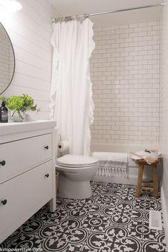 Beautiful Farmhouse Bathroom Ideas 38