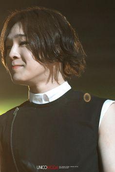 [❤️FanTaken] 140302 Taehyun @ 2NE1's AON concert (Cr. Unicomoda) #WINNERAONDay2