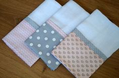 45 Ideas For Patchwork Quilt Knitted Pro - Diy Crafts - maallure Draps Design, Dish Towel Crafts, Baby Sheets, Baby Nails, Burp Rags, Dummy Clips, Baby Kit, Baby Sewing Projects, Patch Quilt