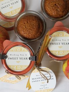 Honey cake baked in mason jars-- rosh hashana gift giving