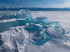 Siberian photographer Alexey Trofimov captured extraordinary scenes of sunshine and ice on Lake Baikal Hobby Photography, Travel Photography, Lake Baikal Russia, Ice Pictures, Cube World, Siberia, Ice Lake, Dame Nature, Brindille