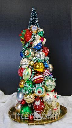 """Season's Greetings"" Topiary by Glittermoon Vintage Christmas 2012"