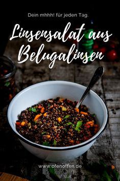 Leichter Linsensalat aus Belugalinsen Simple lentil salad with beluga lentils. Vegatical and healthy on the table in 30 minutes. Beluga lenses are also called caviar lenses. Lentil Salad Recipes, Healthy Salad Recipes, Gold Potato Recipes, Plum Varieties, A Food, Food And Drink, Baked Eggplant, How To Make Salad, Low Calorie Recipes