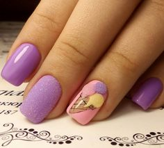 The trademark of the summer is the ice cream. Why, in that case, would not be found as a decoration on your nails?