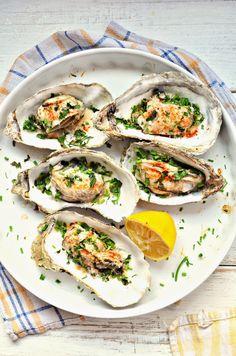 Kuchnia w zieleni: Ostrygi zapiekane z parmezanem Bruschetta, Summer Recipes, Vegetarian Recipes, Tacos, Mexican, Ethnic Recipes, Food, Gastronomia, Summer