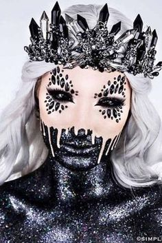 Halloween make-up for women.burnerlifesty … … – Halloween Make Up Ideas Spooky Halloween, Halloween Bonito, Mode Halloween, Creepy Halloween Makeup, Scary Halloween Costumes, Halloween 2018, Halloween Party, Scary Makeup, Makeup Art