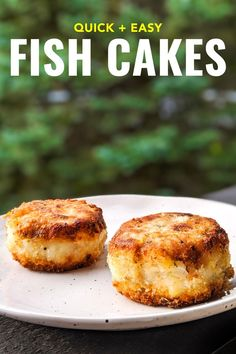 This easy fish cakes recipe from Nova Scotia works with everything from salt cod to leftover fish like salmon or tilapia. It's a quick and easy recipe Easy Fish Cakes, Cod Fish Cakes, Cod Cakes, Fish Cakes Recipe, Easy Cake Recipes, Homemade Fish Cakes, Salmon Fish Cakes, Best Seafood Recipes, Fish Recipes
