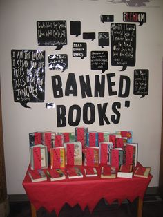 Banned Books Display Rachel Moani made in All the quotes are from famous authors about censorship. Library Work, Teen Library, Reading Library, Oxford Library, School Library Displays, Middle School Libraries, School Holiday Activities, Library Activities, Library Inspiration