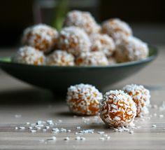 Maikin mokomin: Inkiväärillä maustetut kookos–aprikoosi-tryffelit | Coconut and apricot truffles with ginger