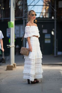 264 incredible outfit ideas to take from the street style at New York Fashion Week: Street Style Chic, New York Fashion Week Street Style, Street Style Summer, Nyc Fashion, Street Style Looks, White Fashion, Style Fashion, Spring Style, Dress Fashion