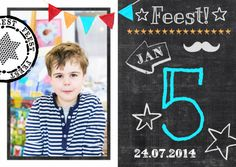 Hippe uitnodiging voor een feest jongen of kinderfeestje. Origineel krijtbord / schoolbord kaart met eigen foto, leeftijd zelf invullen. door Zus&ik