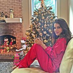 """""""Waiting to open the gifts with the family! #christmas #home --------- Esperando pra abrir os presentes com a família! #Natal #emcasa"""""""