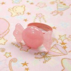 Light Pink Glitter Pastel Hard Candy Ring by blacktulipshop, $3.50 #sweetlolita #pink #candyjewelry
