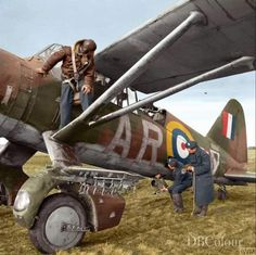 Ground crew remove a Type camera from Westland Lysander Mark IIIA, 'AR-V', of No. 309 Polish Fighter-Reconnaissance Squadron (part of the RAF Army Cooperation Command), at Dunino, Fife Navy Aircraft, Ww2 Aircraft, Military Jets, Military Aircraft, Fighter Pilot, Fighter Jets, Westland Lysander, Spitfire Airplane, Me262
