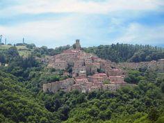 Castelnuovo di Val di Cecina #CastelnuovodiValdiCecina #Tuscany #Italy Saga, Monument Valley, Paris Skyline, Grand Canyon, 1, Italy, Explore, Travel, World