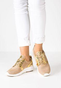 Dieser Sneaker lässt dein Modeherz höherschlagen. MICHAEL Michael Kors  AMANDA - Sneaker low - pale 3a4c11f5346