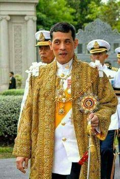 King Rama 10, Kate Middleton Wedding Dress, King Thailand, Queen Sirikit, Royal King, Bhumibol Adulyadej, Great King, King Of Kings, King Queen