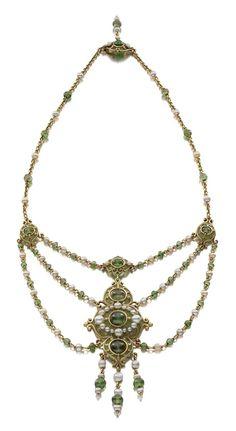 Marcus & Co., Necklace, 1900 • Gold, natural pearls, demantoid garnet, enamel • Courtesy of Siegelson, New York