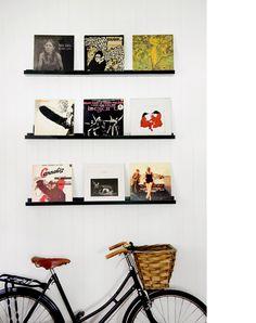 Kara Rose's Nundah home -vintage bicycle as room feature!