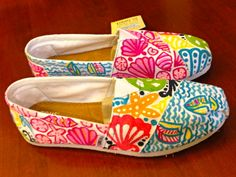 Lilly Toms! Need these in my life! @Courtney Baker Cubbedge just like your croakies