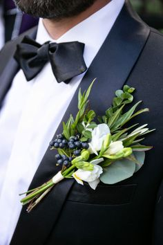 Wedding Groomsmen Boutonierre  Have something made in your wedding style and color