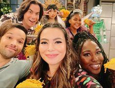 Nathan Kress, Miranda Cosgrove, Jennette Mccurdy, Icarly, New Girl, Crazy Halloween Costumes, Decision Tree, Carmen Sandiego, Star Wars