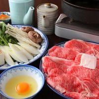 こだわりの美味しい牛肉をすき焼き・しゃぶしゃぶでどうぞ!