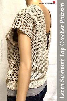 Fun DIY crafts clothing : A sleeveless Crochet top crochet pattern - Female fashion made at home Crochet Scarves, Crochet Clothes, Crochet Hats, Crochet Sweaters, Crochet Woman, Hand Crochet, Crochet Top, Modern Crochet Patterns, Crochet Patterns For Beginners