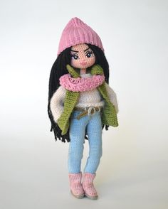 Amigurumi doll - very Kim Kardashian look. Knitted Doll Patterns, Knitted Dolls, Doll Clothes Patterns, Amigurumi Patterns, Amigurumi Doll, Crochet Dolls, Cute Crochet, Knit Crochet, Mickey E Minie