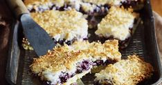 Fill the tins with this delectable, crunchy-topped blueberry slice. Moist Pork Chop Recipe, Pork Chop Recipes, Pumpkin Dip, Roast Pumpkin, Oat Slice, Baking Recipes, Cake Recipes, Sticky Pork, Roasted Vegetable Salad