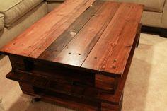 She is GENIUS! DIY Pallet Coffee Table