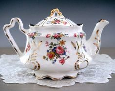 Paragon SWEET PEA Teapot By Appointment by TeacupsAndOldLace