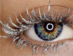 Frosty lashes