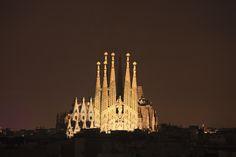Sagrada Familia la nuit  #Espagne #Barcelone