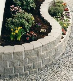 37 Gorgeous Front Yard Retaining Wall Ideas Perfect For Your Front House - Trendehouse Lawn Edging, Garden Edging, Garden Beds, Sloped Garden, Lawn And Landscape, House Landscape, Landscape Design, Desert Landscape, Front Yard Landscaping Pictures