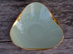 Vintage Figgjo Flint Midcentury Modern Candy Dish, Mint Green and Gold, Made in Norway, by LlamaPieVintage on Etsy Green And Gold, Mint Green, Candy Dishes, Midcentury Modern, Norway, Scandinavian, Vintage Items, My Etsy Shop, Mid Century