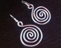 Wire wrapped aluminium silver pendant earrings with swirl: aluminium earrings, swirl jewelry, swirl spiral earrings