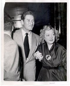 Errol and Marion Golden Age Of Hollywood, Vintage Hollywood, Classic Hollywood, Classic Movie Stars, Classic Movies, George Brent, Marion Davies, Errol Flynn, Wicked Ways