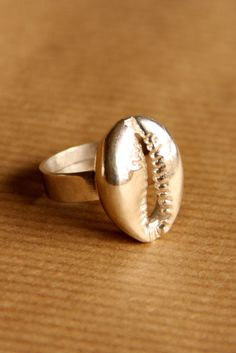 Cowrie Ring | Silver